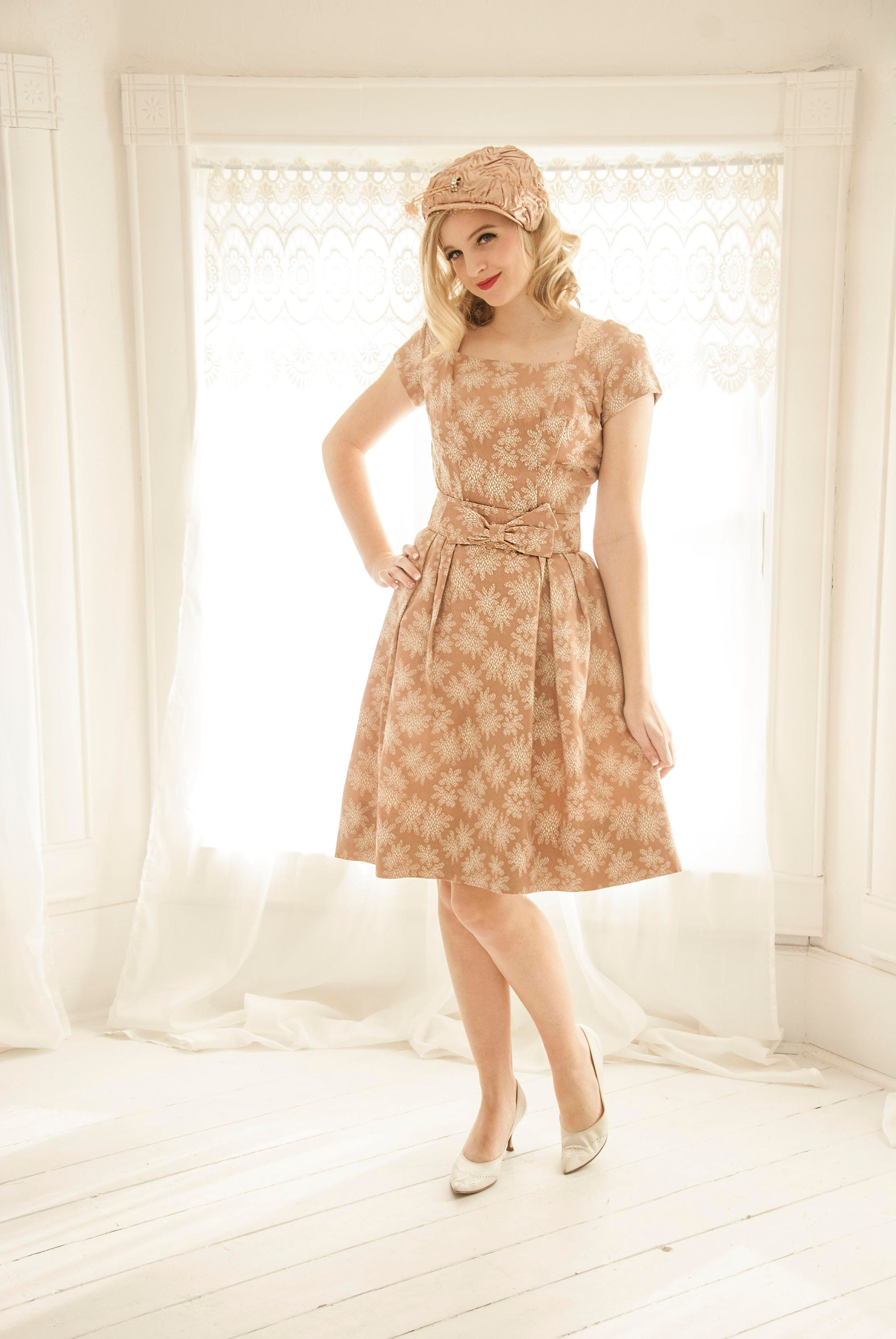 Vintage Pink Champagne Dress White Snowflakes Beige Metallic Snow Flakes Formal Short Sleeves Xxs Xs 1950s 1960s Pin Up Fit Flare Mid Century