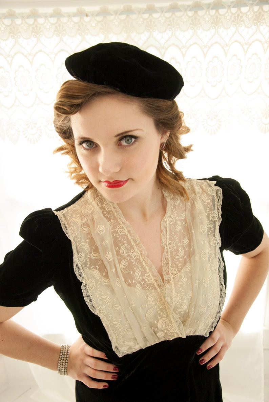 c33c987bbc790b Vintage 1940s black velvet beret hat small formal pin-up | Etsy