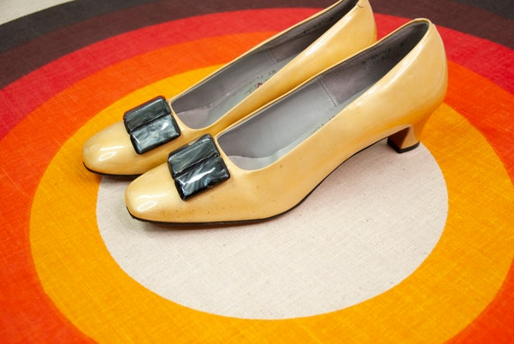 Vintage 1960s gold shoes, yellow slip-on formal dr