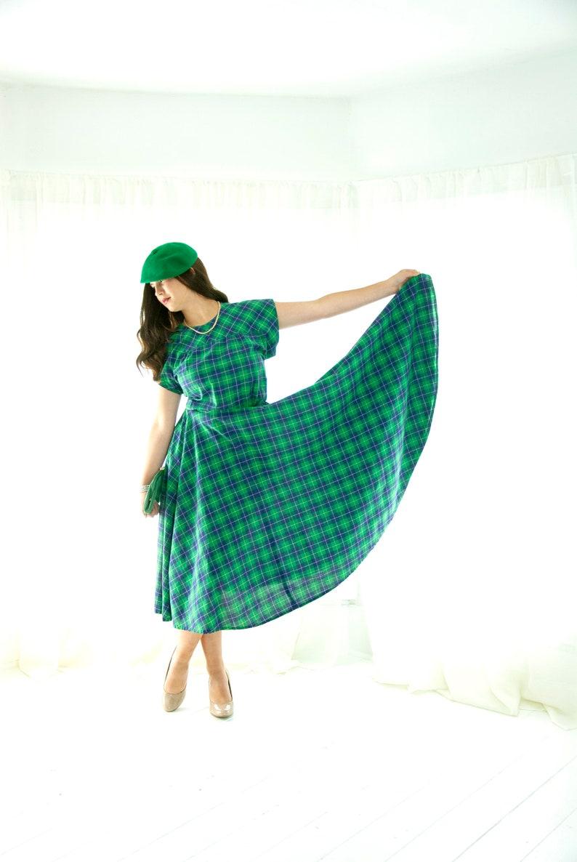 Vintage 1950s green plaid dress short sleeve midi circle image 0