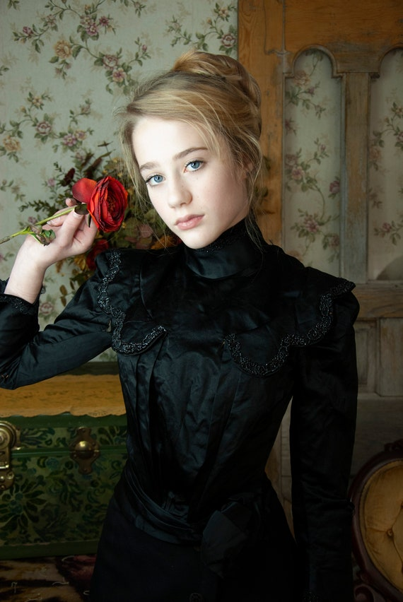 Victorian black silk jacket, long sleeve beaded pu
