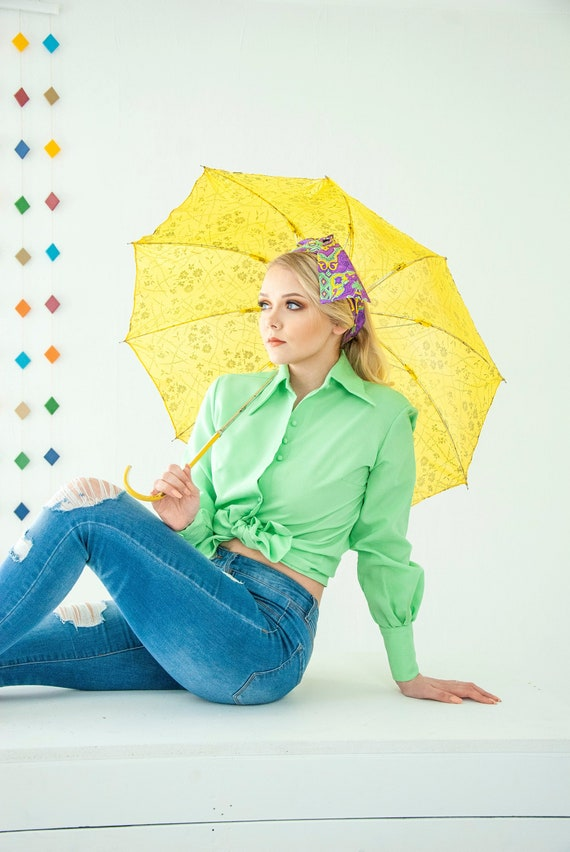 Vintage pastel green blouse, long poet sleeves, pi