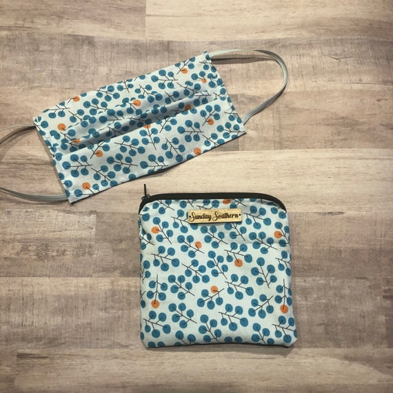 Set - Face Mask and Mask Zipper Pouch - Blue Berries