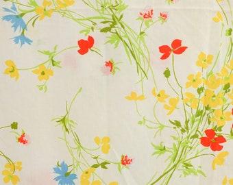 Twin Flat Sheet Wild Flowers on White / Vintage Garden Theme 70s Bedding