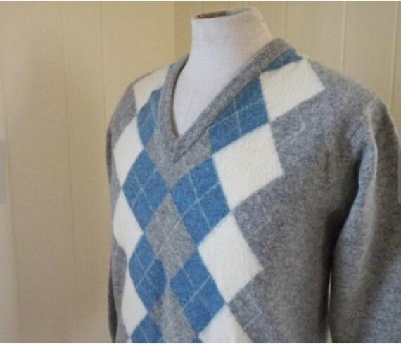 f27004f393e43 Super Soft Scottish Wool Vintage V Neck Argyle Sweater Men Sz