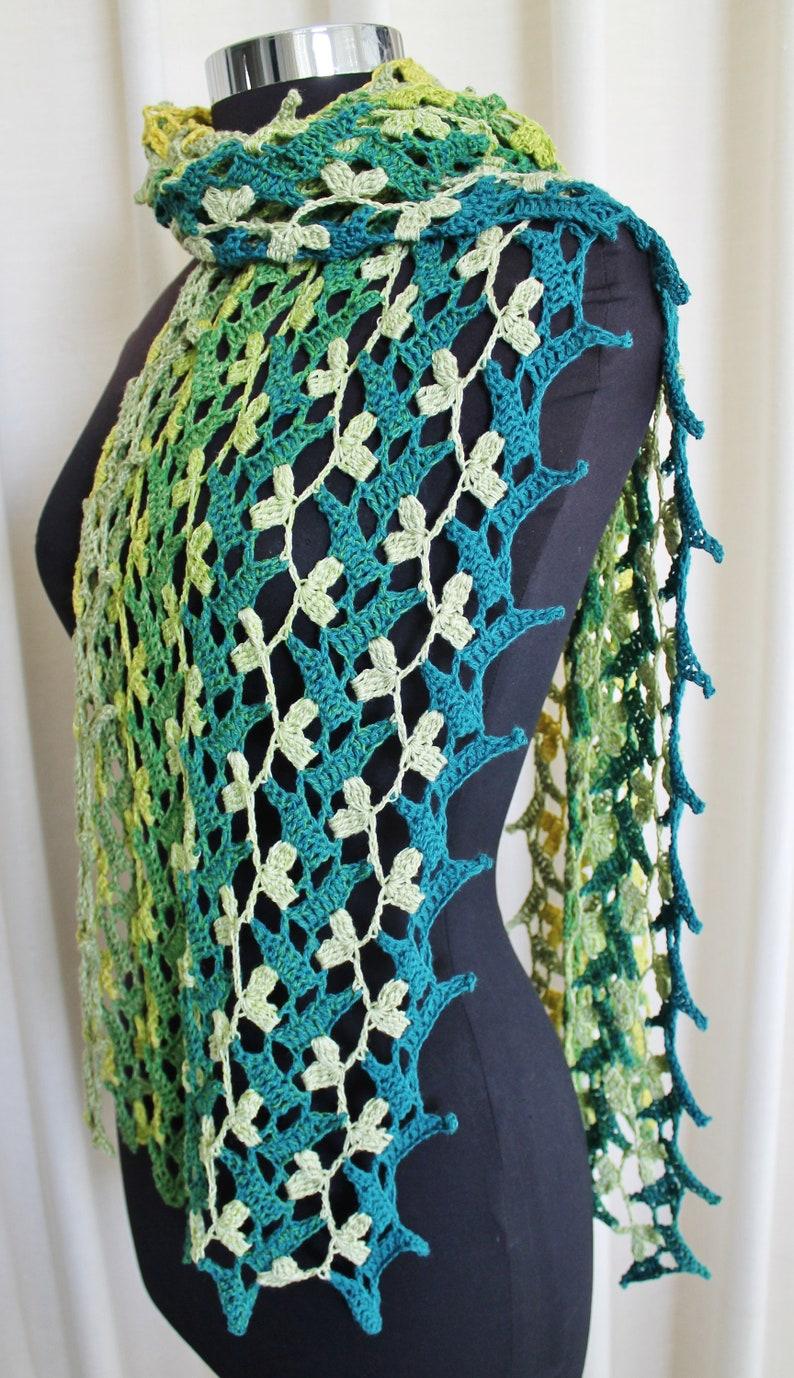 Crochet Pattern  Flowering Vines scarf. image 0