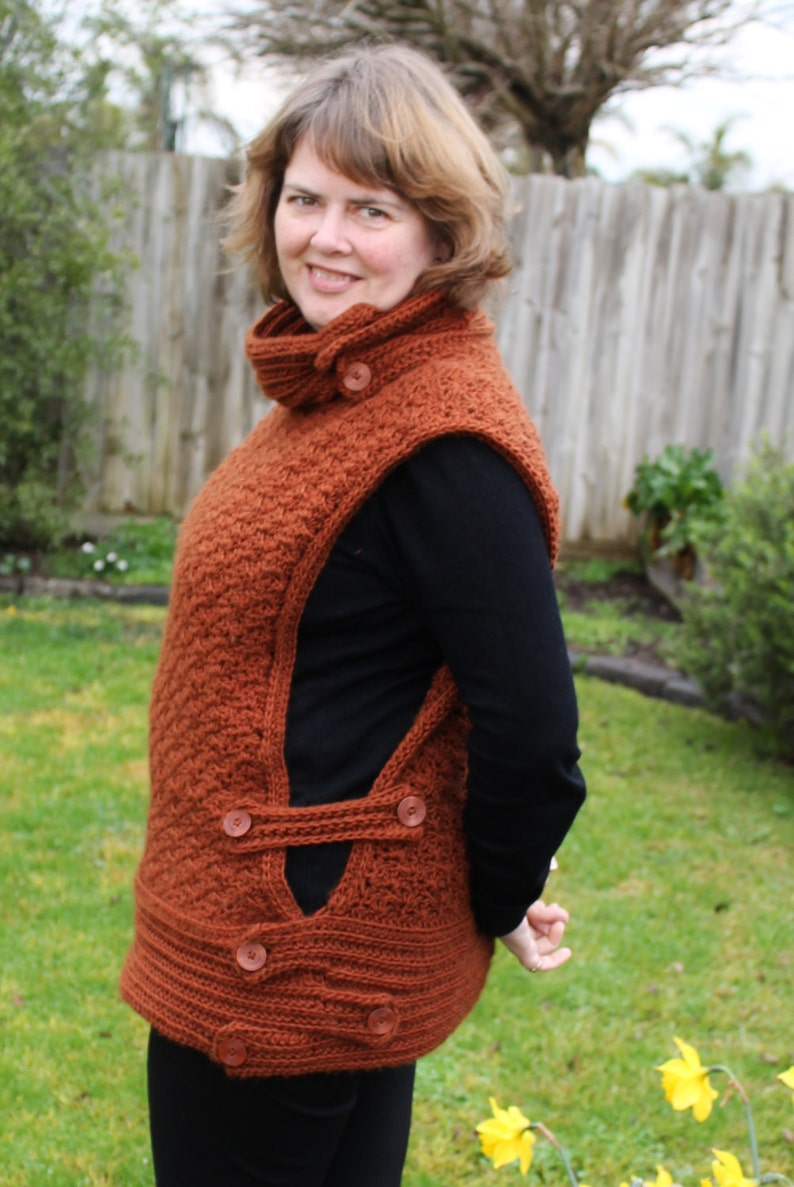 Crochet Pattern  Entwined tabard image 0