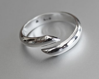 Classic Sterling Silver Ring, Silver Band, 'Wrap Around' Ring.