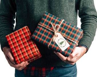 Bit Plaid Holiday Gift Wrap / 12 Sheets