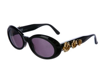 1aa3b056b9 Collectable GIANNI VERSACE Late 80s Oval Eye   Cat Eye Thick Black Vintage  Designer Sunglasses w  Gold Rose Hardware