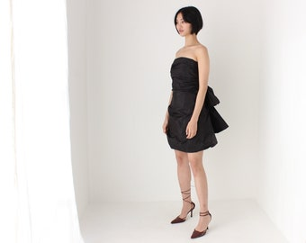 MARC JACOBS Silk Taffeta Y2K Voluminous Textured Sculptural Bow Bubble Puff Lolita Cocktail Party Strapless Black Mini Dress