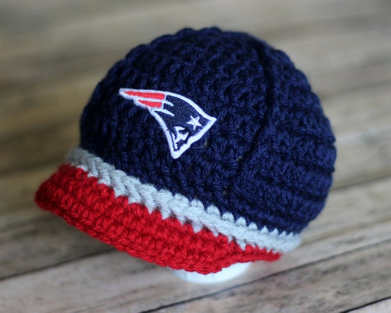 New England Patriots Cute Infant//Toddler Winter Hat and Mittens Set