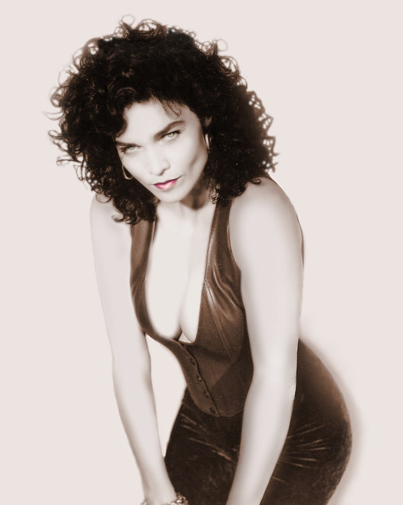 Alannah Myles Vintage Pin Up Photo Autographed image 0