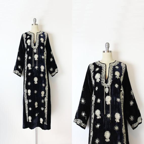 vintage 70s dress / 1970s embroidered velvet dress