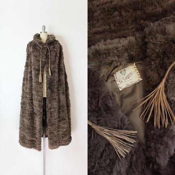 vintage 70s GUCCI cape / 1970s fur cape / Gucci fu