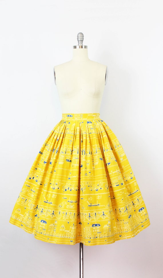 vintage 1950s novelty print skirt / 1950s yellow … - image 2