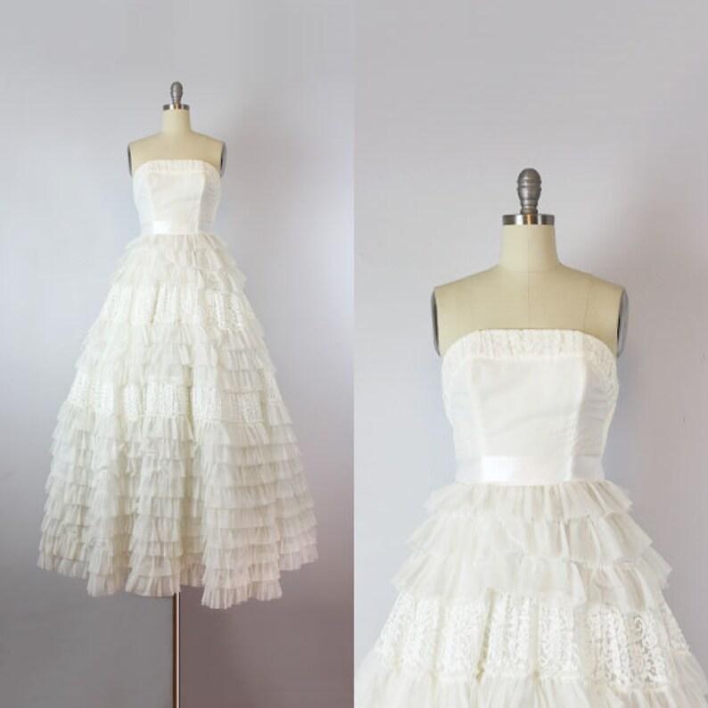 3644c670baab6 Robe de mariée Vintage des années 50   blanc bustier des
