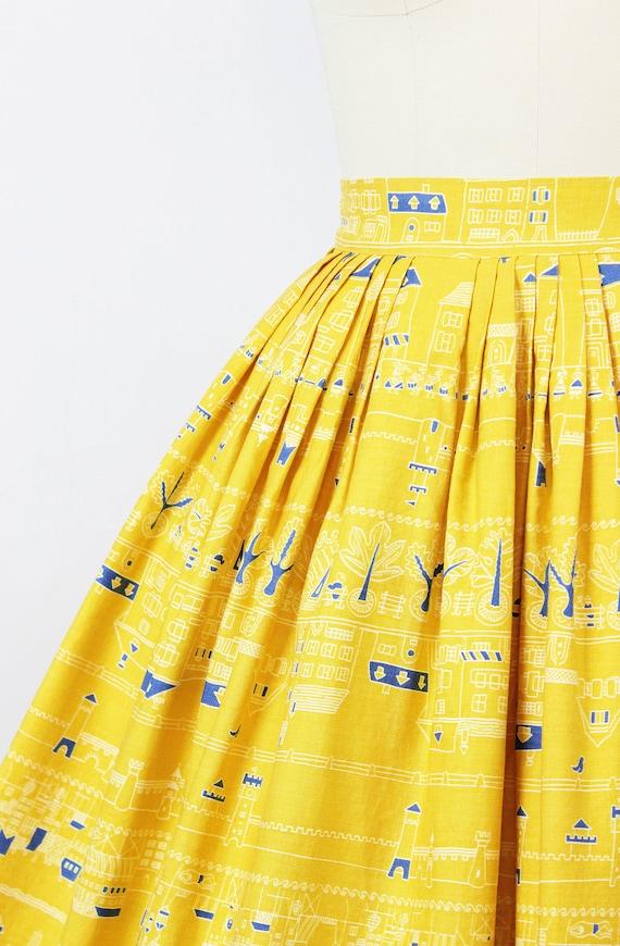 vintage 1950s novelty print skirt / 1950s yellow … - image 5
