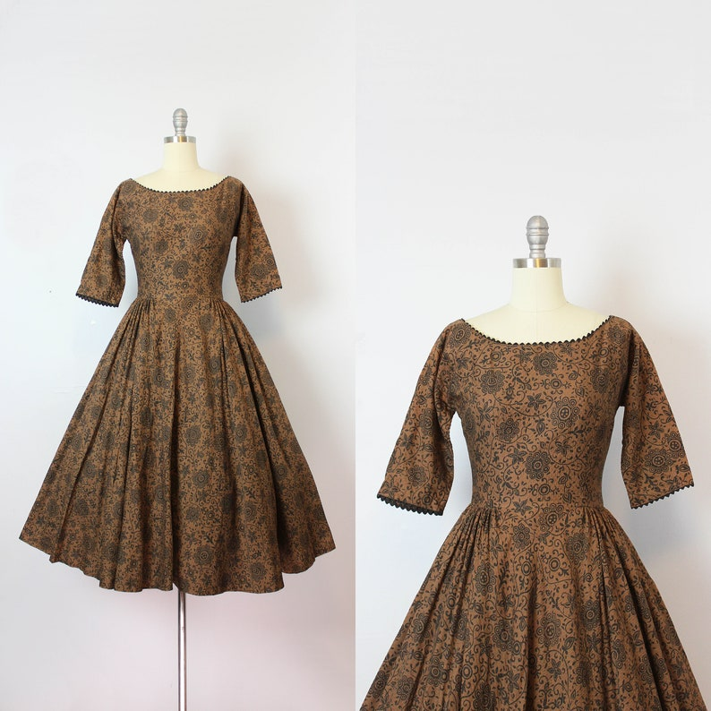 f0283311024 Vintage 50s dress   1950s MR MORT dress   dark floral party
