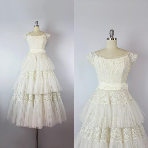 vintage 50s wedding dress / 1950s creamy white lac