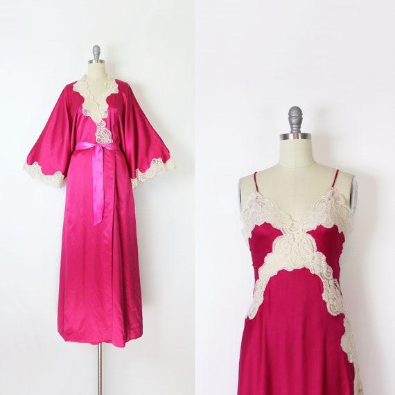 vintage 70s peignoir set / 1970s pink satin lace r