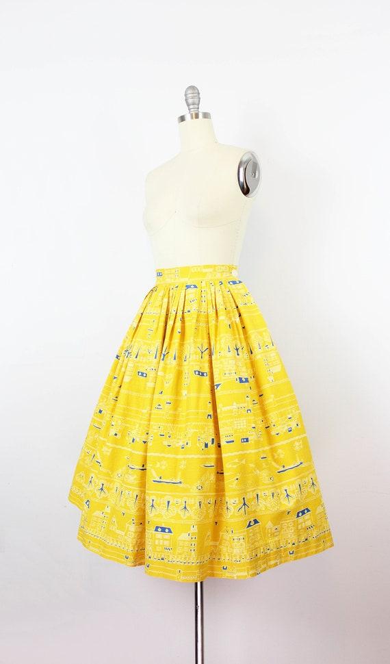 vintage 1950s novelty print skirt / 1950s yellow … - image 3