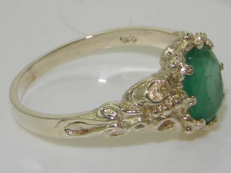 Sterling Silver Ring Womens ring Sterling Silver Emerald Ring Silver Emerald Ring Emerald Solitaire Ring Vintage Style Ring