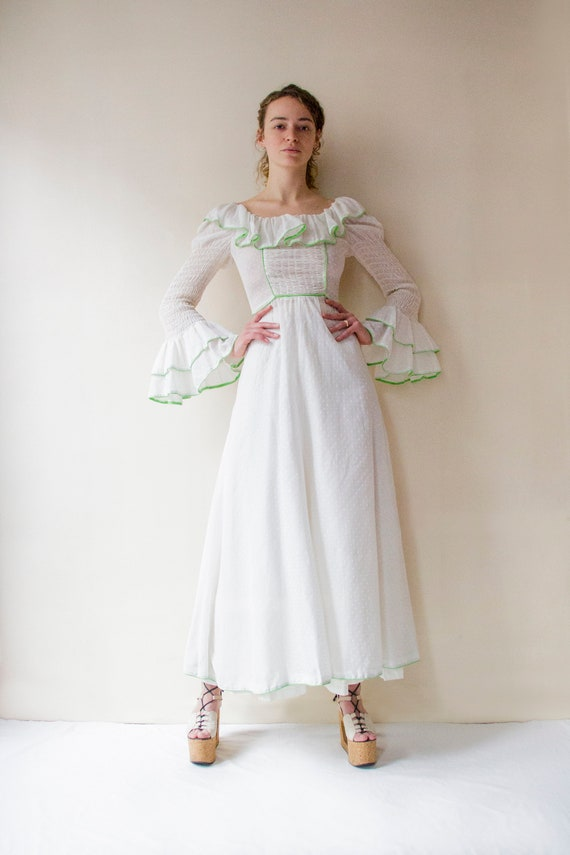 Vintage 1970s white prairie dress with leg of mutt