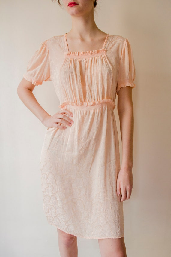 Vintage 1930s pink salmon rayon ruched dress with