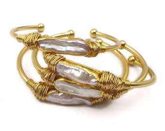 14K Gold Wire Wrapped Bracelet with Baroque Pearl