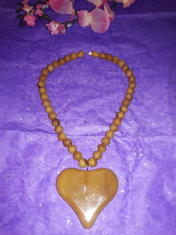 Vintage Bakelite Necklace Heart Pendant Caramel Bu