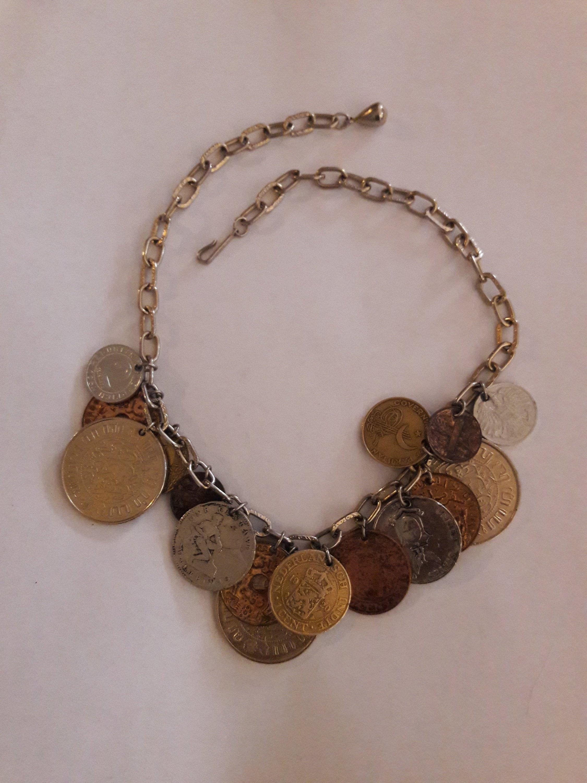 dopo vari colori Nuovi Prodotti Vintage CORO Necklace Foreign Coin Charms 1950's Signed Jewelry