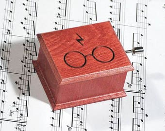 Harry Potter glasses and scars lightning music box red  handmade wooden music box