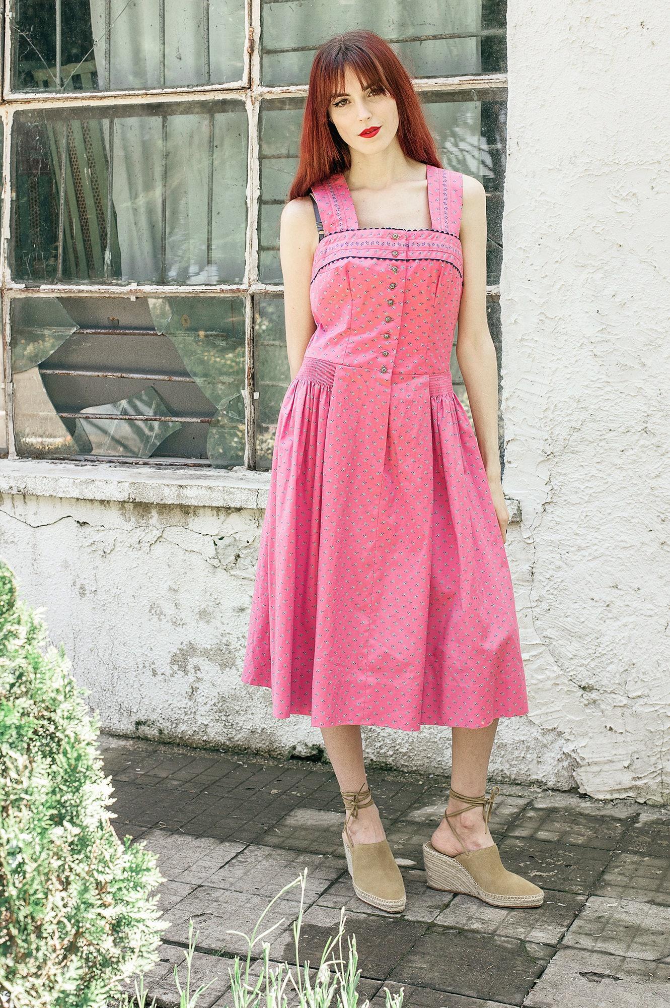 dirndl rose chasuble robe de taille moyenne de coton etsy. Black Bedroom Furniture Sets. Home Design Ideas