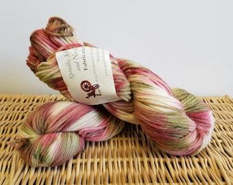 "Worsted Wool Yarn, Handpaint Wool Yarn, Fabrication ""Wild Roses"""
