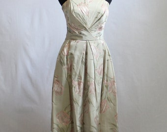 1950 / 60s Vintage Strapless / pale sage green with pink tulips