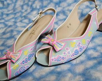 Vintage Hand Painted Heels, Vintage Fashion, Meow Wolf Shoes, Custom Shoes, Blue Pink Shoes, 60's Fashion, Vintage Pumps