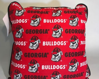 University of Georgia Throw Pillow-Georgia Bulldogs Accent Pillow-Perfect for Dorms, Dens, Bedrooms, Cars, etc