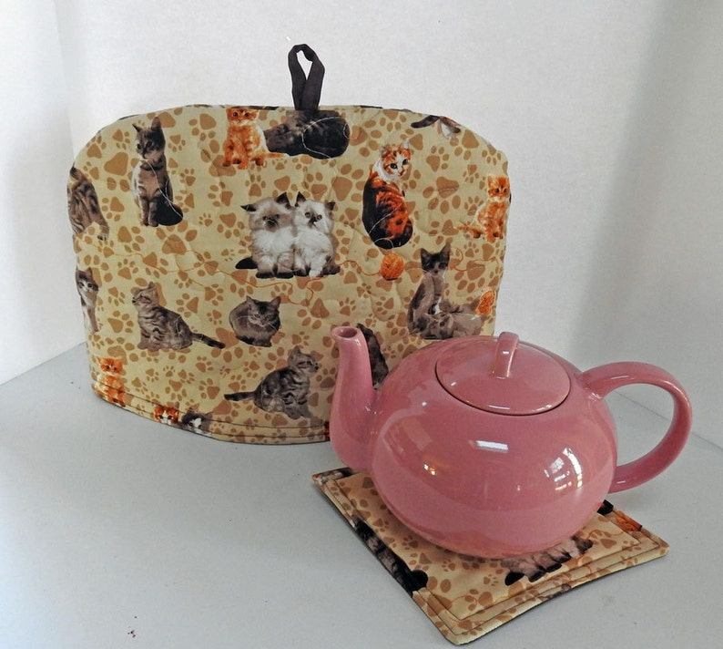 Quilted Dome Tea Cozy Lovable Kittens