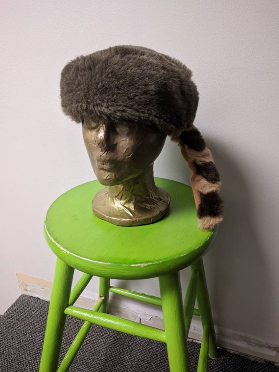 824a0b1575d Vintage Steampunk Clothing Brown Tail Coonskin Cap Fun Fur