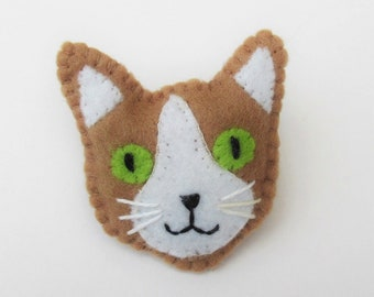 Cat Brooch, cat lovers gift, cat lady gift, felt Brooch Pin, cat face brooch, cat pin, felt cat brooch