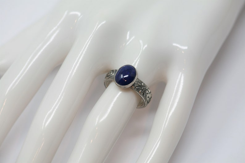 Size 6.5 Lapis lazuli Oval Sterling Silver Ring on Floral Pattern Band in Antique Silver Finish