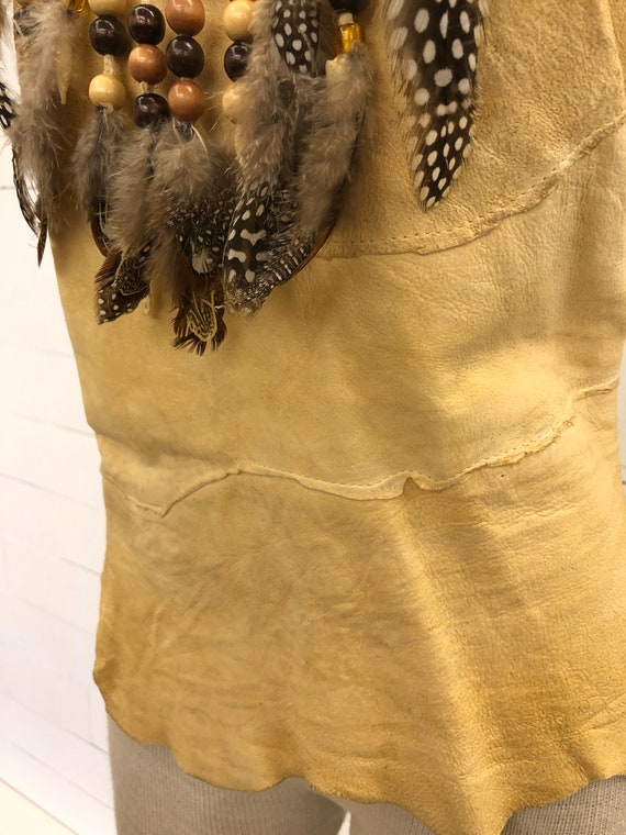 Vintage VTG 1970s 1980s Tan Leather Beaded Feathe… - image 3