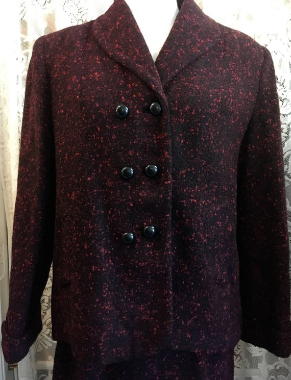 Medium Size Vintage 1960s Tweed Two Piece Suit wit