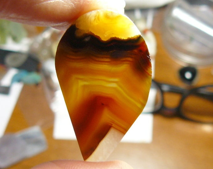 Brazilian Agate preformed rough, natural, 24 x 42 x 5.5 mm, golden translucent picture (rs31611)