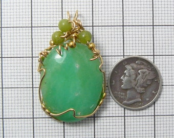 "Chrysoprase pendant, 5/8"" x 1 3/8"", wire wrapped with 14kgf wire, natural Green (j6202)"