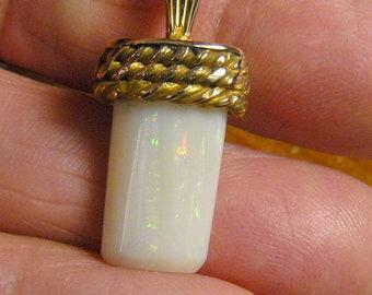 Australian white Clam Shell Opal pendant, using  14k and 14kgf,  handmade, made in USA (j42911)