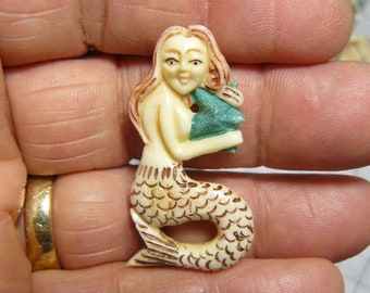 Carved bone Mermaid, 9 available,  jewelry supply, hand carved in India, drilled hole.  (j71005 )