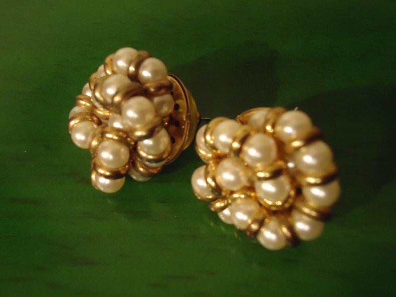 Vintage 1970s Sweet Pearls In Cluster Pierced Earrings