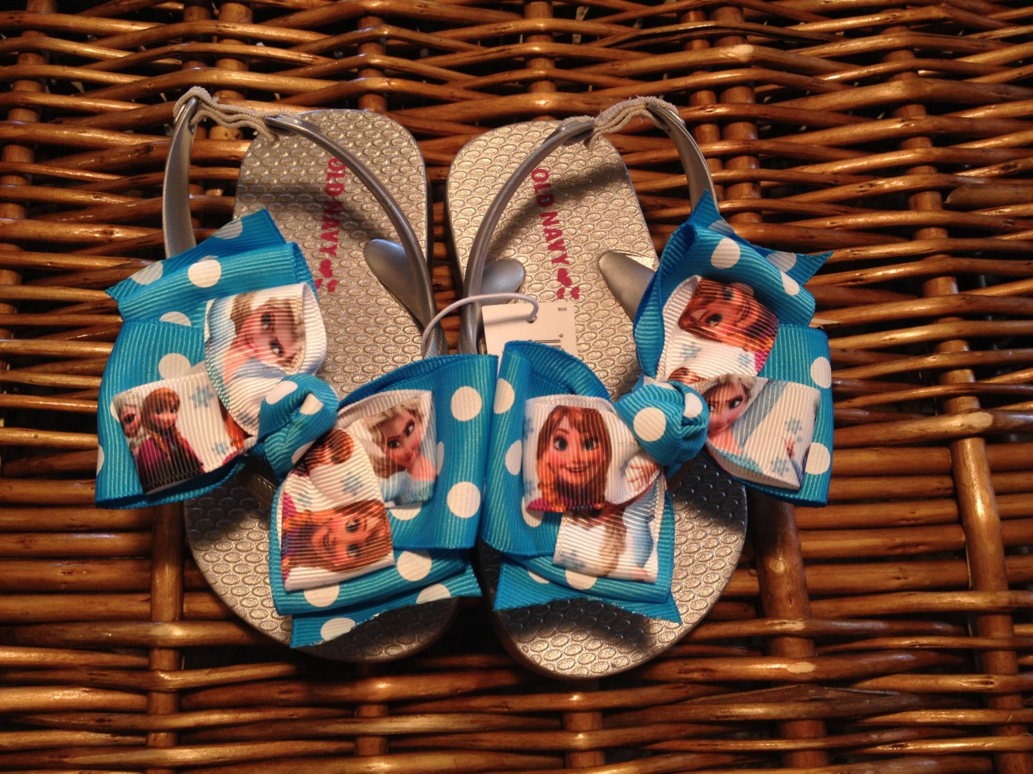 2da424be695 Frozen Toddler Flip Flops Size  8 1 left 9 8 left 10 7